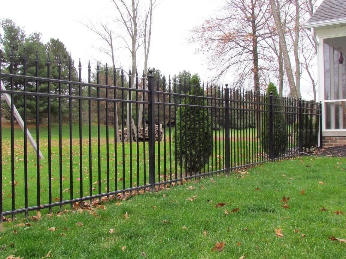 Series-B-Aluminum-Fence-with-Quad-Finials-1-1